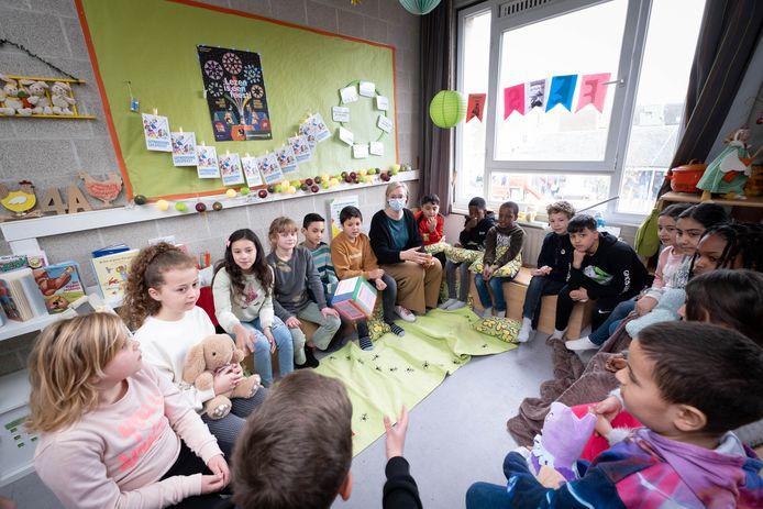 Een van de methodieken van 'herstelgericht werken' in de Sint-Pietersschool: cirkelgesprekken