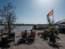 Zon, terras én een onmetelijke watervlakte: in Tolkamer is de milde variant te zien van hoogwater