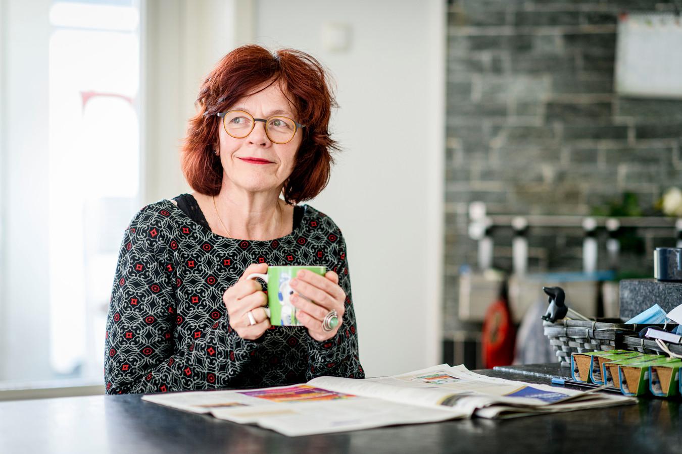Marie José Luttikholt, fractievoorzitter PvdA Hengelo.