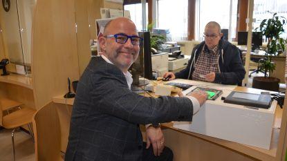 Denderleeuw is vierde gemeente in België die start met nieuwe elektronische identiteitskaart met vingerafdrukken