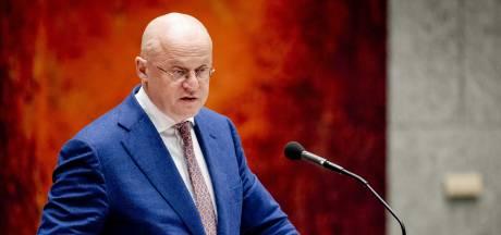Minister erkent: klokkenluiders sloegen alarm over beïnvloeding zeven rapporten