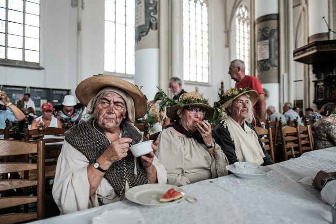 Dit beeld van het Hanzefeest in Doesburg in 2018 doet sterk denken aan de Vestingstedendag in Zaltbommel in 2005.