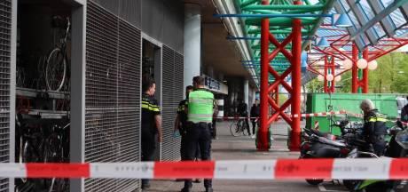 Steekpartij bij Station Lelystad: politie zoekt voortvluchtige 15-jarige verdachte