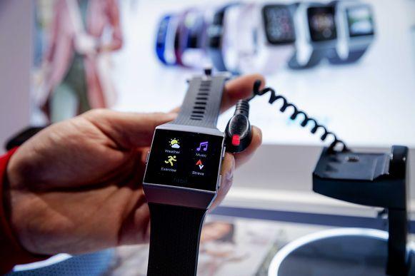 Google legde 2,1 miljard dollar op tafel voor Fitbit en krijgt daardoor toegang tot zeer gevoelige informatie.