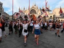Groot protest tegen cruiseschepen in Venetië na botsing met toeristenboot