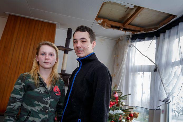 Lukasz Lesniewicz en Jolanta Ziolkowska in hun 'lekke huiskamer'.