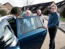 Lange rit voor coronaprik: 'Idioot om bejaarden 40 kilometer te laten reizen'