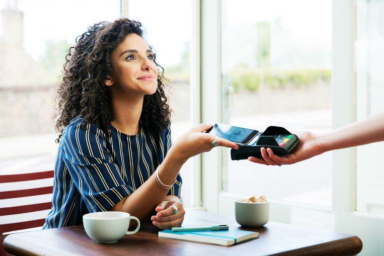 Contactloos betalen: is het helemaal veilig? Beeld Getty Images