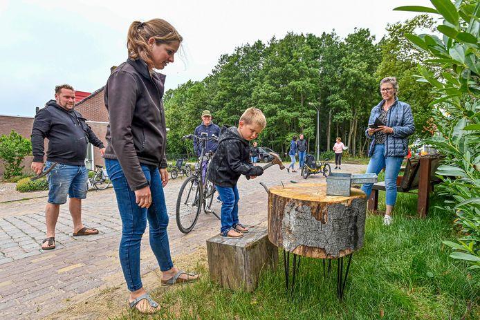 Bietje Gezond de Polder Rond: op de fiets langs boerderijwinkels en lokale ondernemers bij Fijnaart en daar gezond voedsel verzamelen. Onderweg ook tal van activiteiten, zoals oldtimers, oude trekkers en een imker.