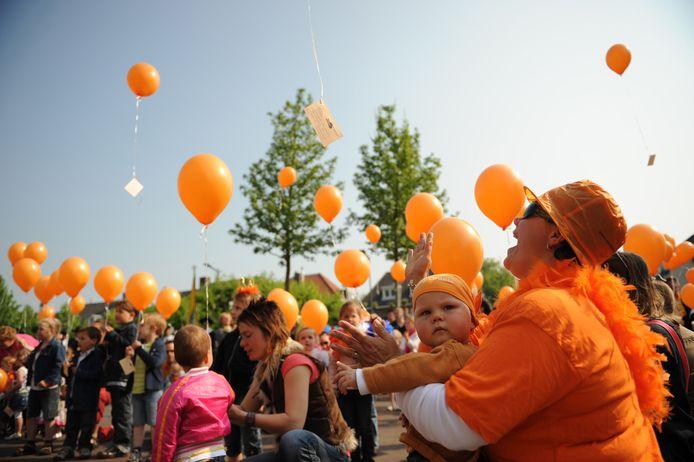 Ballonnen worden opgelaten op Koningsdag.