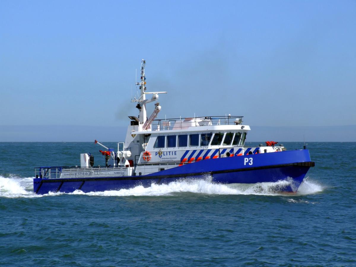 Een schip van de zeehavenpolitie.