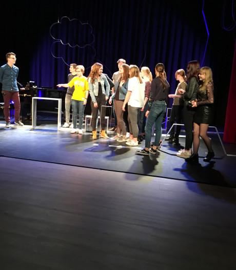 Idee 'Adopteer een voorstelling' van Theater Stroud Putten landelijk uitgerold