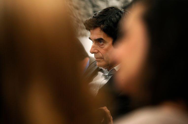 De illusionist David Copperfield verscheen op 17 april voor de rechtbank in Las Vegas, Nevada. De jury kreeg een blik achter de schermen van een van zijn bekende verdwijntrucs, nadat een Britse man beweerd had dat hij gewond raakte tijdens een van die trucs.  Beeld AP