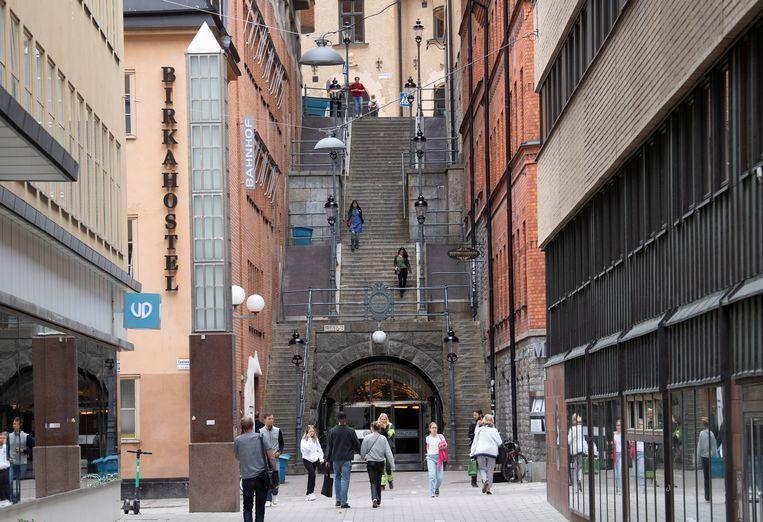 De trappen van Tunnelgatan waarlangs de dader zou zijn weggevlucht. Beeld via REUTERS