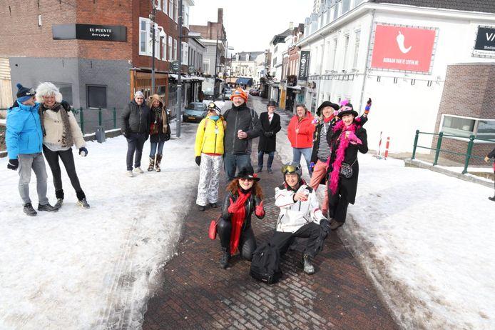 De groep van Peer van Mol op het Stratumseind.
