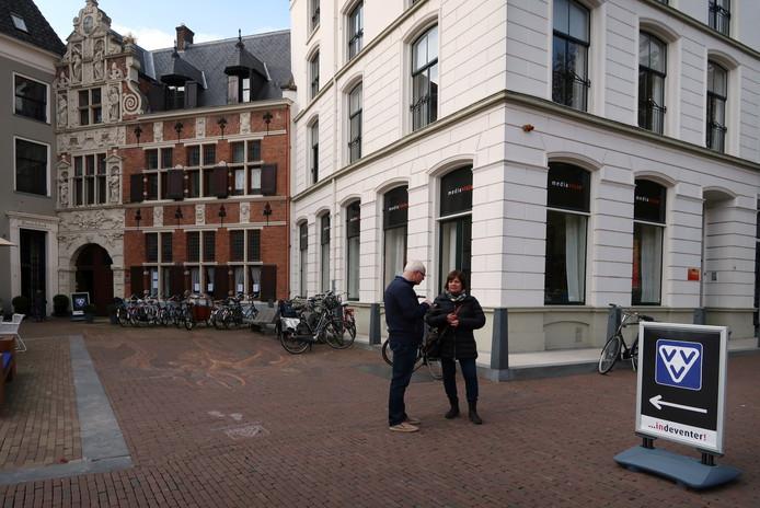 De VVV in het Penninckshuis in Deventer. Foto Erna Lammers