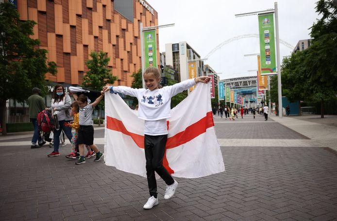 Supporters verzamelden zich zaterdagmiddag voor Wembley.