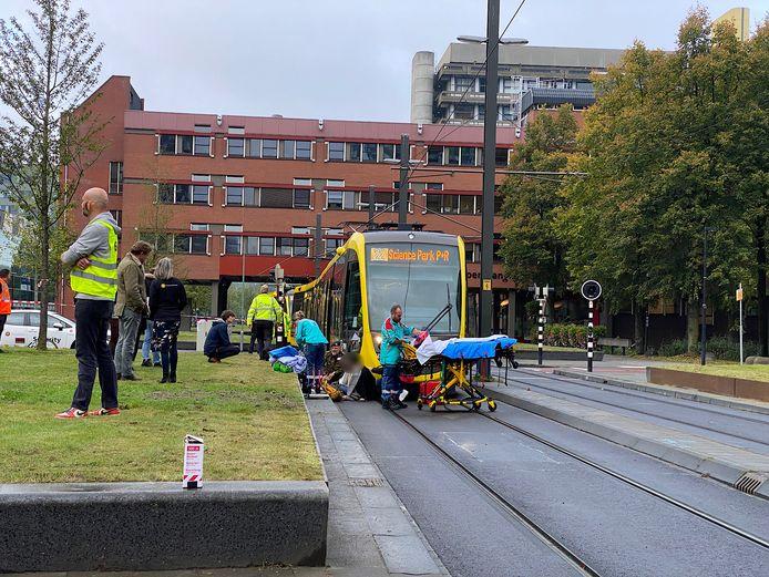 Een vrouw is aangereden door een tram op het Utrecht Science Park.