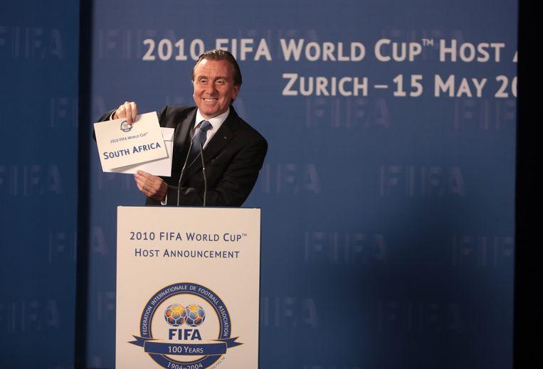 Tim Roth in de rol van Sepp Blatter.