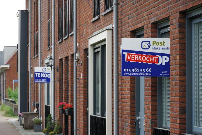 Huizen staan maar kort te koop en geïnteresseerden moeten in de meeste gevallen overbieden.