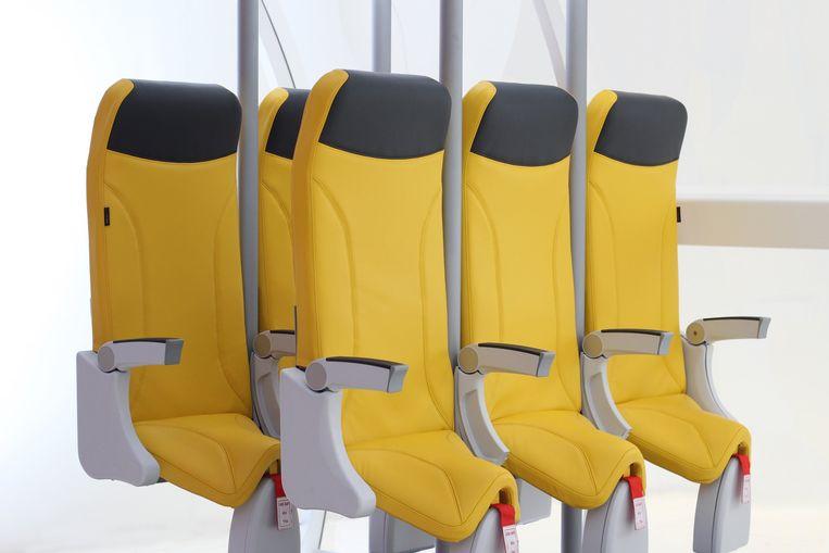 Sta-stoelen van de Italiaanse fabrikant Avioninteriors, bouwers van vliegtuigstoelen. De Italianen hebben nog geen klanten gevonden voor hun SkyRider, laat staan de zegen van de luchtvaartinspecties. Beeld Avioninteriors