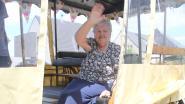 Honderdjarige Rosalie keert even terug naar haar geboortedorp... met paard en kar