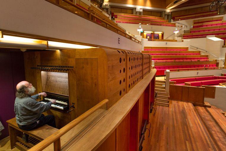 Het orgel in de grote zaal van Vredenburg. Organist Peter van Dijk ontwierp het. Beeld Jorgen Caris