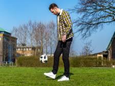 Bijna twee jaar na horrorongeluk kan Leon de Kogel (28) weer zonder krukken lopen: 'Keihard voor gewerkt'