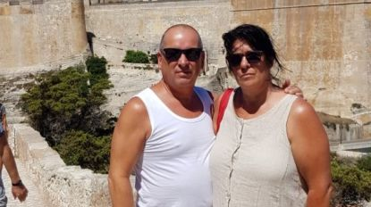 """Vijf dagen na vertrek op Zaventem wachten Willy en Diane nog op bagage in Corsica: """"Noodgedwongen wat kleding gekocht"""""""