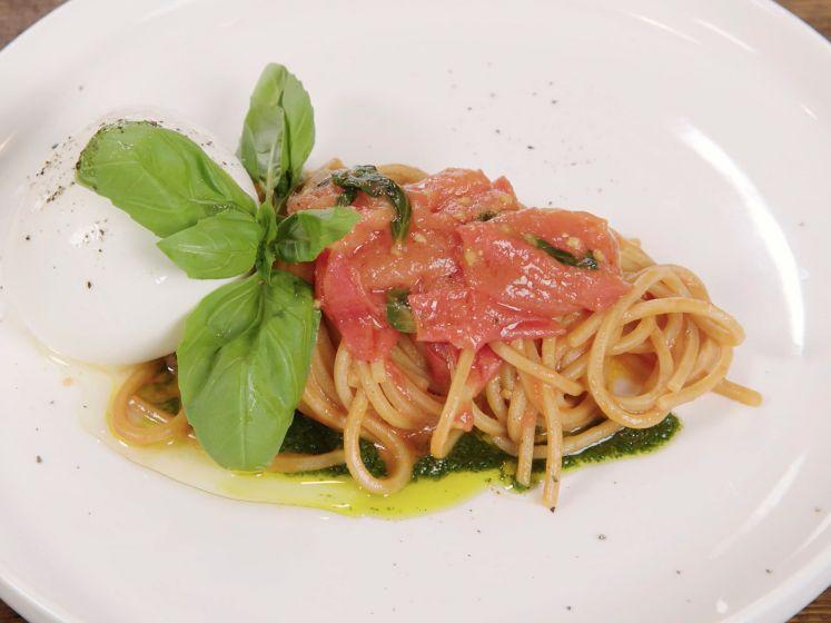 Zo maak je de beste én bekendste tomatensaus van Zuid-Italië