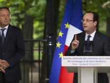 """Esclavage: Hollande prône """"la paix des mémoires réconciliées"""""""