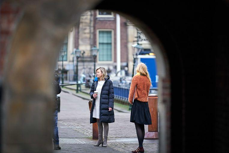 Minister Kajsa Ollongren van Binnenlandse Zaken en Koninkrijksrelaties (D66) komt aan op het Binnenhof voor de wekelijkse ministerraad. Beeld ANP