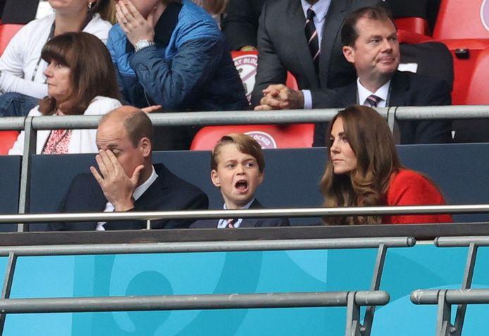 Prins William, prins George en Kate Middleton tijdens de EK-finale tussen Engeland en Italië.