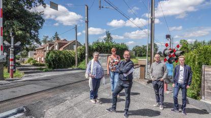"""Oppositiepartij CD&V bezorgd over afsluiten overwegen, maar burgemeester sust: """"Op korte termijn gaan geen overwegen dicht"""""""