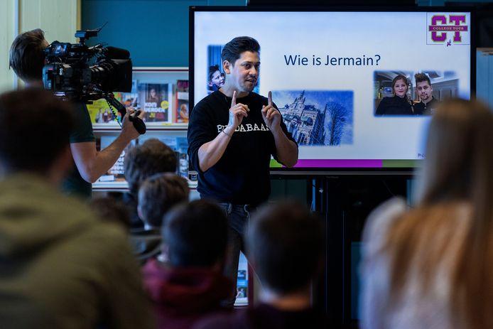 Jermain de Rozario op het Dr.-Knippenbergcollege in Helmond.