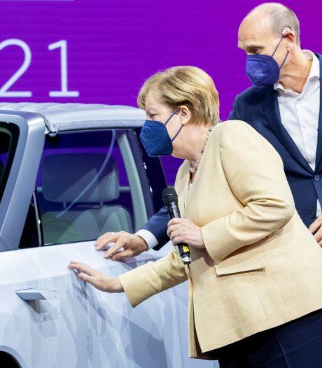 Merkel pleit voor CO2-vrije transportsector op grote autoshow