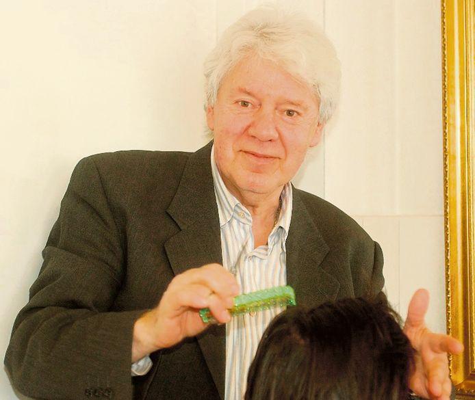Theo van Mullekom, de kapper die ook zong.