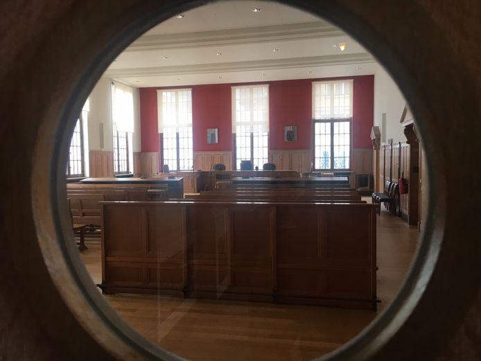 De zittingszaal van de rechtbank in Kortrijk.