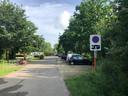 In de buurt van de cafetaria is er ook een openbare parking voor de bezoekers. Mobilhomes mogen er niet parkeren