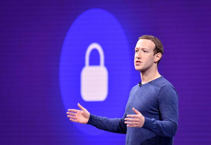 """CEO en oprichter Mark Zuckerberg spreekt van een """"nieuw niveau van transparantie en controle""""."""