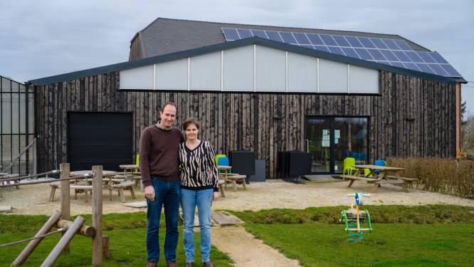 """Bart en Katrien zetten na vier jaar kinderboerderij 't Hof in de etalage: """"Kiezen voor meer zekerheid en gezin"""""""