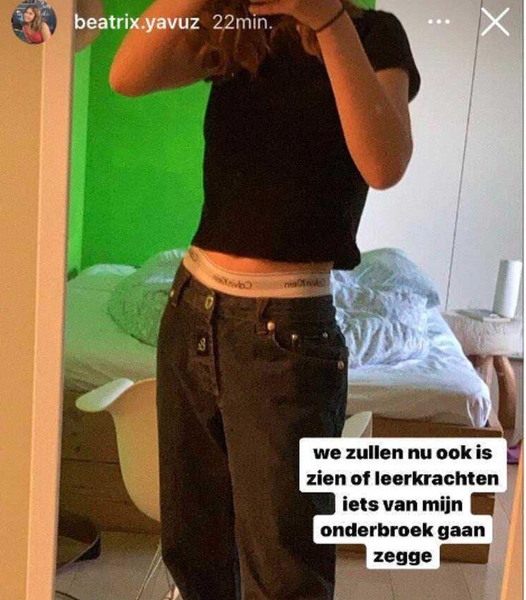 Beatrix Yavuz ging met de rand van haar onderbroek tot boven haar broek naar school, uit protest tegen de voorschriften.  Beeld rv