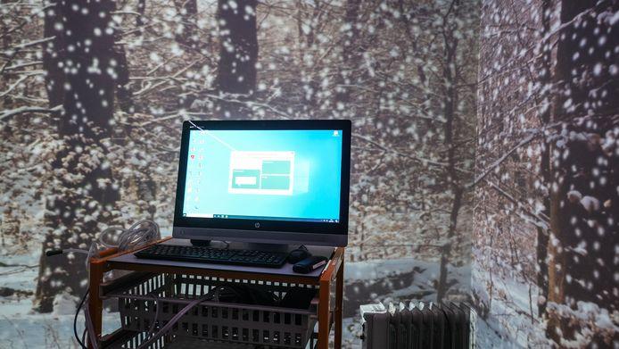 Een ander scenario, in een sneeuwlandschap. Voor alle duidelijkheid: dan worden het bed en andere zaken wel uit de simulatiekamer weggenomen.