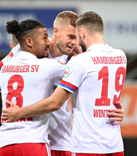 HSV dankzij Terodde alleen bovenaan na bizarre avond in Paderborn