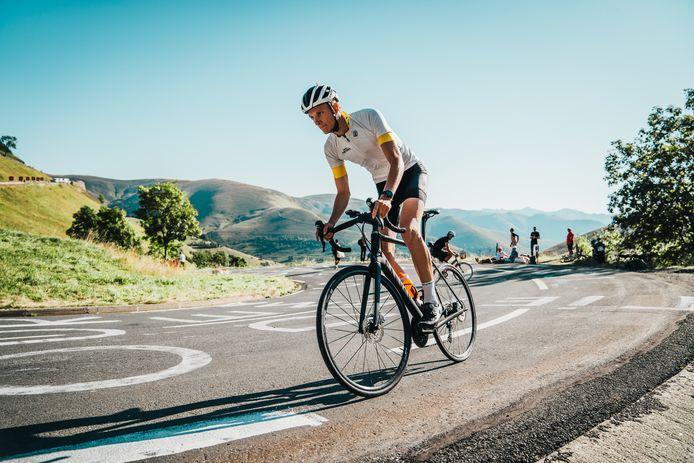 Devin van der Wiel werd eind december verkozen tot Fietser van het Jaar. Hij is bekend van de YouTube-serie over wielrennen Tour de Tietema.