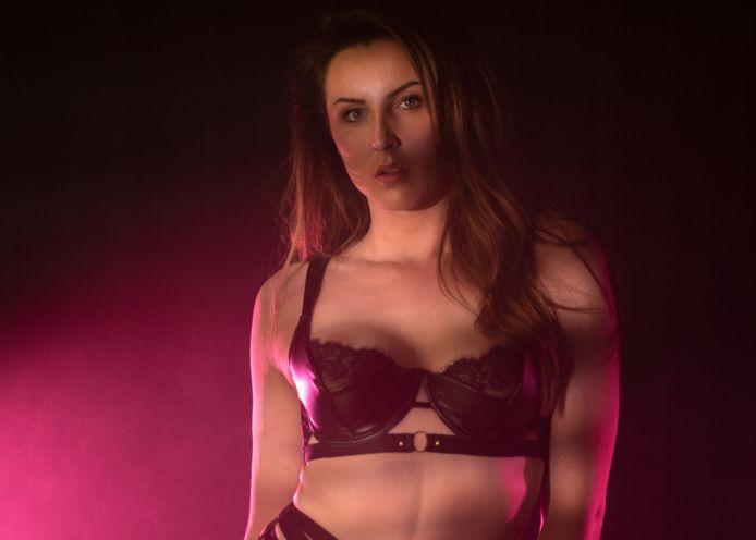 Shauni Wille, die ook de artiestennaam Riley Eden gebruikt.