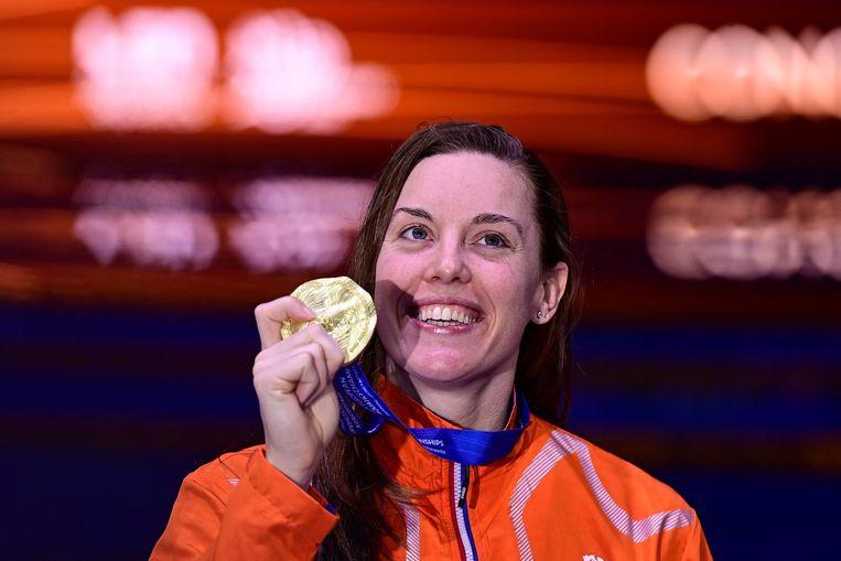 Femke Heemskerk straalt na haar winst op de 100 meter vrije slag. Beeld AFP