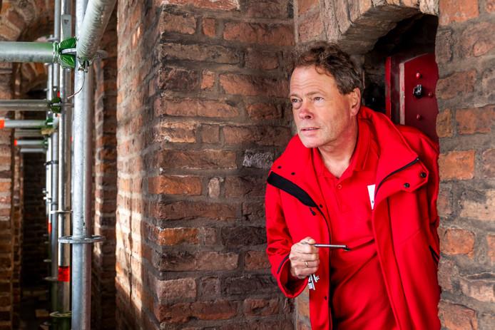 Jitte Roosendaal, al 23 jaar gids van de Domtoren.  ,,Elke rondleiding is anders.''