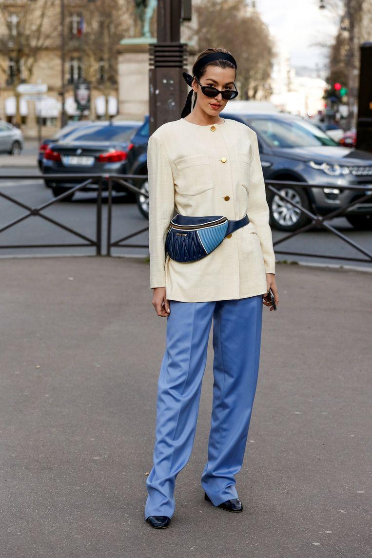 Bezoeker van de Parijse modeweek afgelopen maart. Beeld Team Peter Stigter