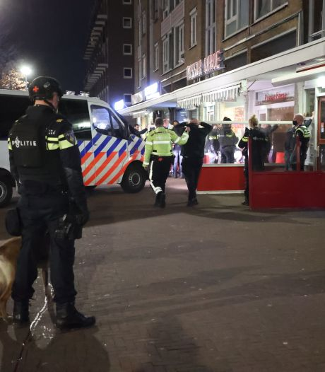 Politie betrapt gasten in shishalounge aan de Haagse Leyweg: vijftien mensen beboet